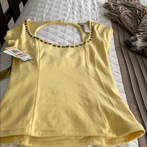Size small yellow top NWT